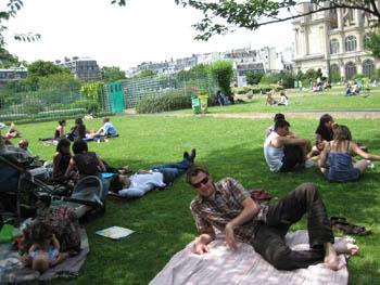 C'est moi, in a park in Paris